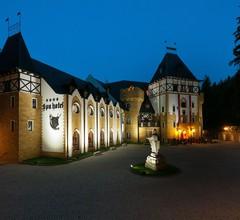 SPA Hotel Zámek Lužec 1