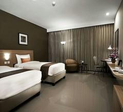 De LAXSTON Hotel by Quin's 2