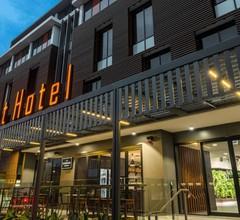 Mantra Richmont Hotel 1