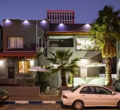Crown Sea Hostel 2