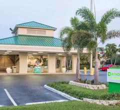 Wyndham Garden Fort Myers Beach 1