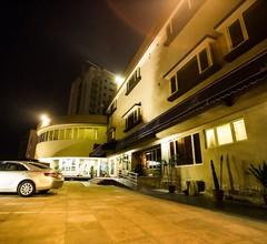 Hotel Bon Voyage 1