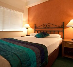 Mid City Luxury Suites 2