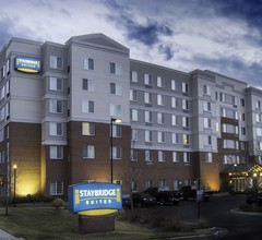 Staybridge Suites Denver International Airport 2