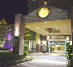 Executive Plaza Hotel Metro Vancouver 1