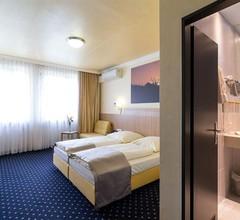 Hotel Cult 1