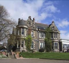Strathearn Hotel 1