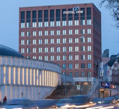Motel One Wiesbaden 1