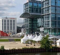 MEININGER Hotel Berlin Hauptbahnhof 1