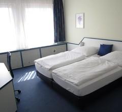 Hotel Neue Kraeme 2