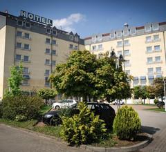 KONSUL Hotel Halle 1