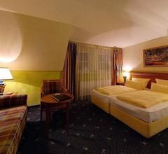 Schlosshotel Gruenwald 1