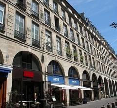 My Apartment in Paris Louvre 2