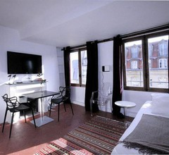My Apartment in Paris Louvre 1