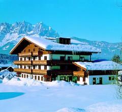 Kaiserhotel Kitzbühler Alpen 1