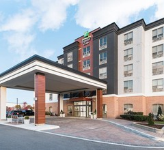 Holiday Inn Express & Suites MILTON 1