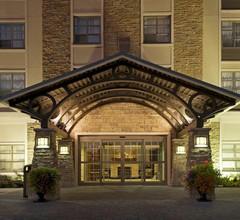 Staybridge Suites Oakville Burlington 2