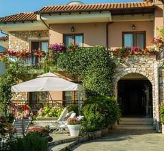 Nikoleta Luxury Villa 2