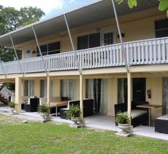 Flamingo Inn Bayside Suites 1