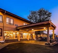 Best Western Plus Ottawa/Kanata Hotel & Conference Centre 1