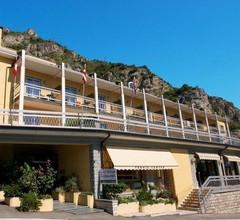 Hotel Village Bazzanega 1