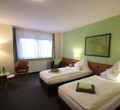 Hotel & Weinhaus Zum Schwarzen Bären 1