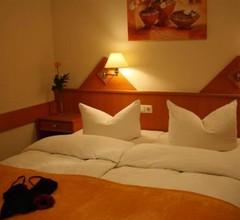 Hotel am Schwimmbad 2
