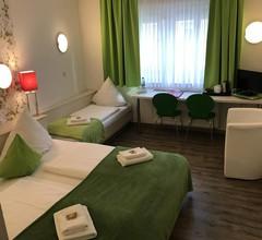 Hotel Poppular 2