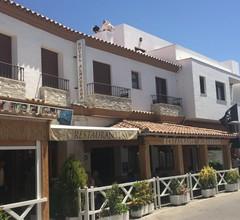 Hotel Almadrabeta 1