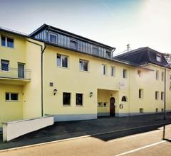 Zur Krone Garni-Hotel 1