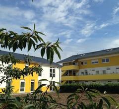 i-Motel 1