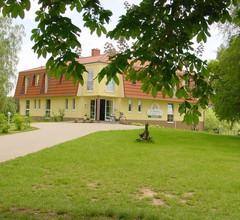 Landhotel Am Peetscher See 2