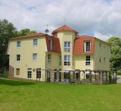 Landhotel Am Peetscher See 1