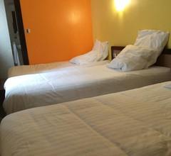 Hotel De La Place 2
