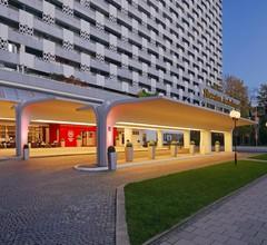 Sheraton Munich Arabellapark Hotel 1