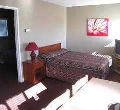 Beach Grove Motel 1