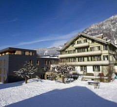 Chalet Hostel @ Backpackers Villa Interlaken 1