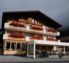 Hotel Kruezli 1
