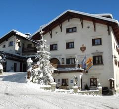 Schlosshotel Restaurant Chastè 1