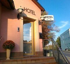 Family hotel Maxim 1
