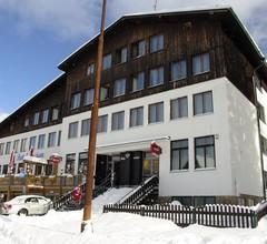 Hotel Enzian (Garni) 1