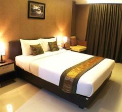 Daima Hotel Padang 2