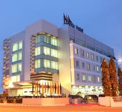 Daima Hotel Padang 1