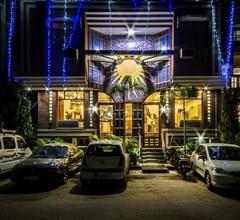 The Suncourt Hotel Yatri 1