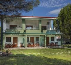 Alexandros Hotel Apartments 2