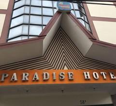 Paradise Hotel 1
