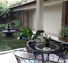 Jhoanie Hotel 2