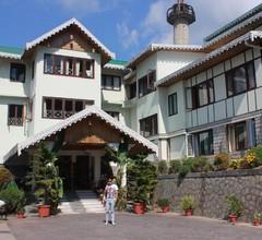 Hotel Mount Siniolchu 1
