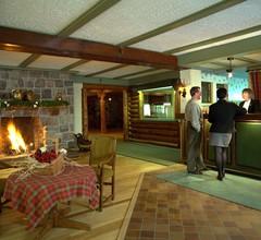 Auberge Alpine Inn 2