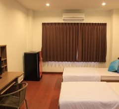 Ananas Phuket Central Hostel - Adults Only 2